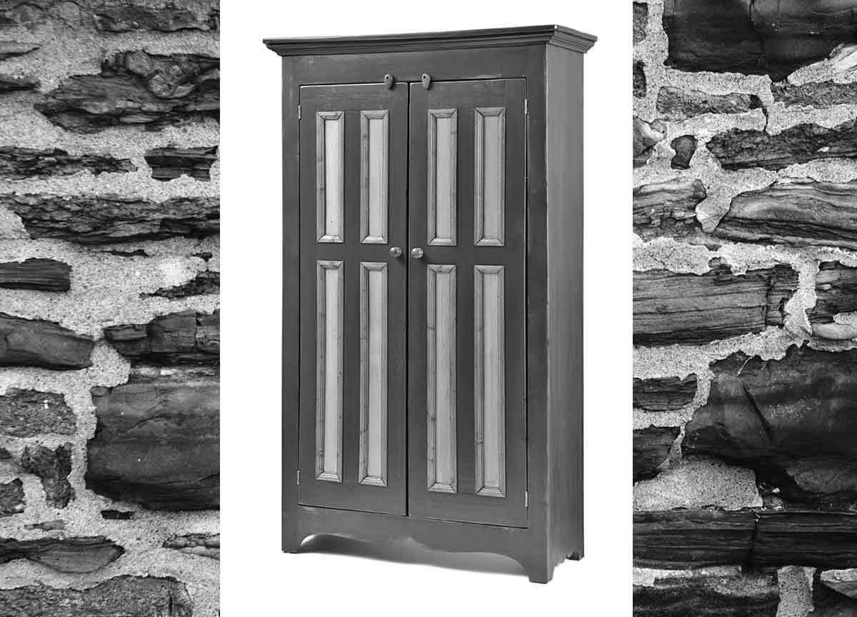 Armoire bois de grange meubles sur mesure meubles for Meuble hochelaga montreal
