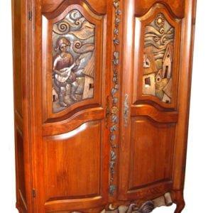 Armoire antique sur mesure en bois massif sculptée et galbée