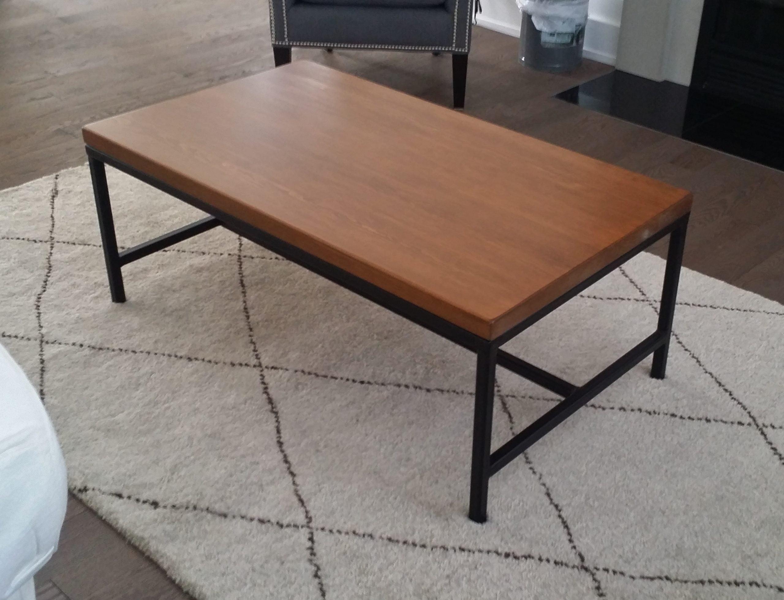 Table de salon bois métal