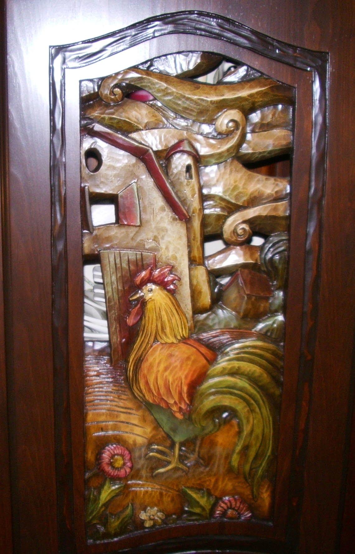 Armoire bois sculptée coq