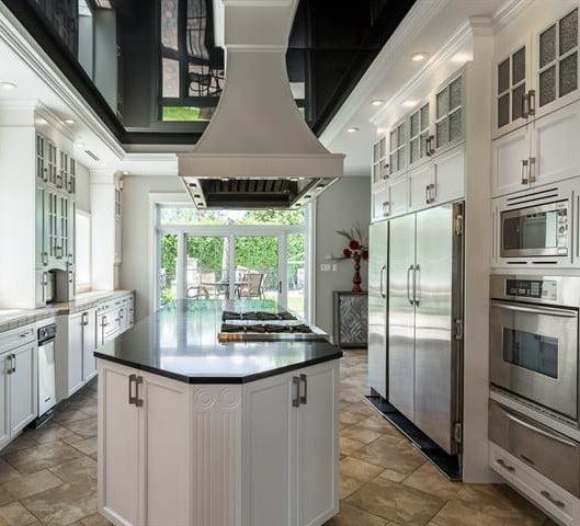 Surfaçage d'armoire de cuisine